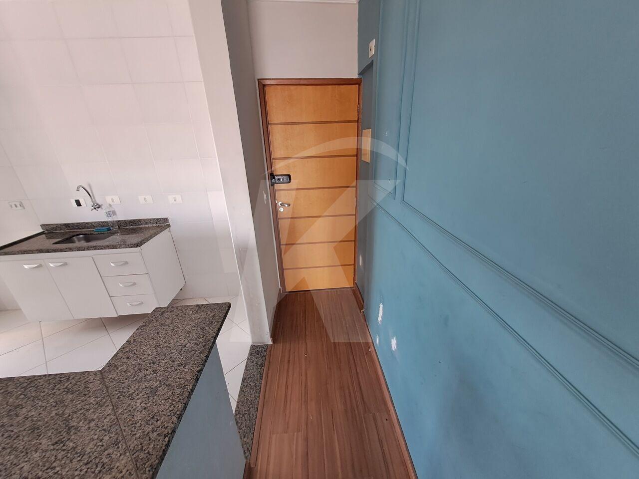 Alugar - Apartamento - Vila Galvão - 3 dormitórios.