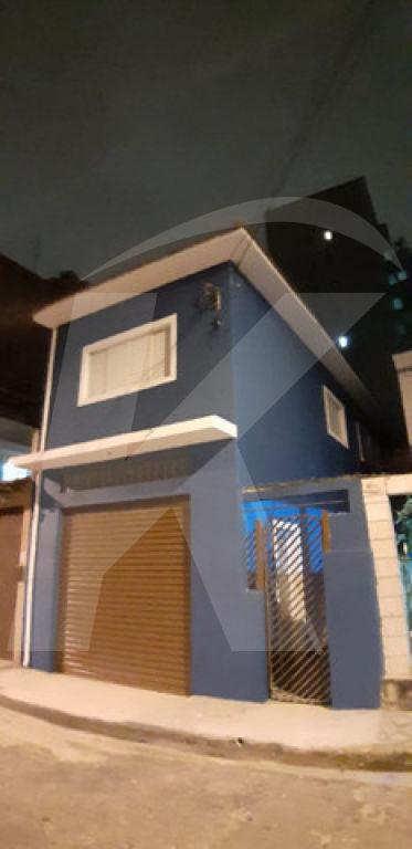 Comprar - Sobrado - Vila Santa Maria - 2 dormitórios.