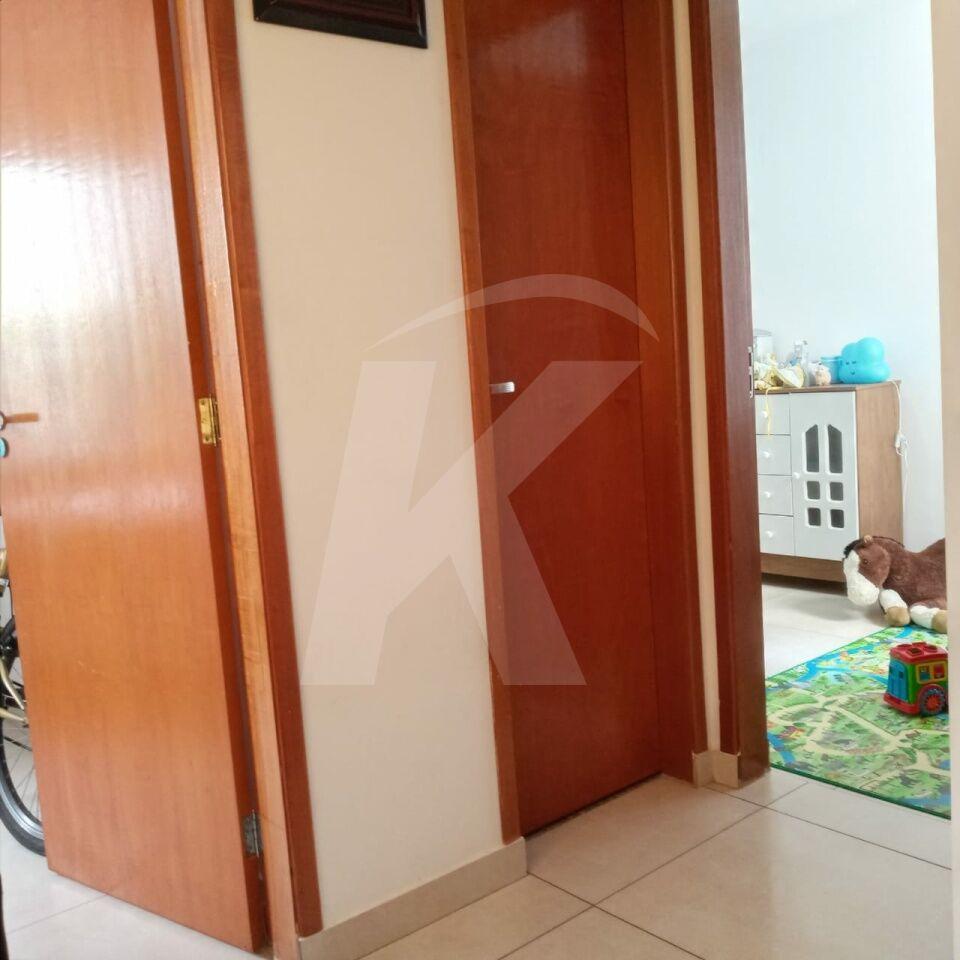 Comprar - Condomínio - Jardim Cabuçu - 2 dormitórios.