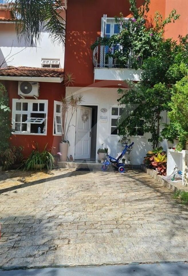 Comprar - Condomínio - Jardim Leonor Mendes de Barros - 3 dormitórios.