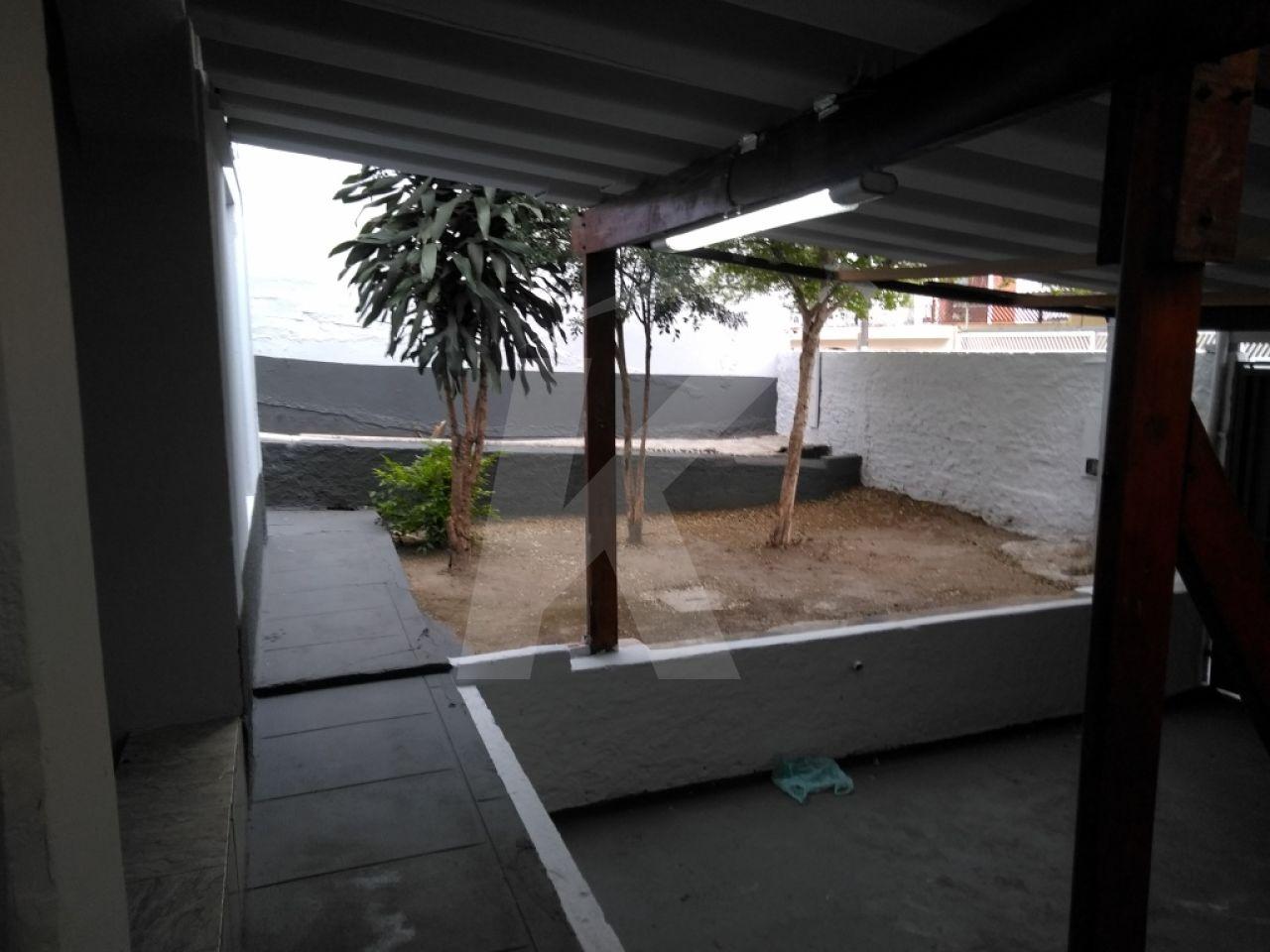 Alugar - Casa  - Vila Nivi - 2 dormitórios.