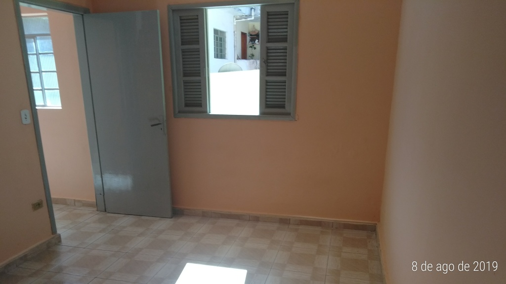 Alugar - Casa  - Vila Vitório Mazzei - 1 dormitórios.