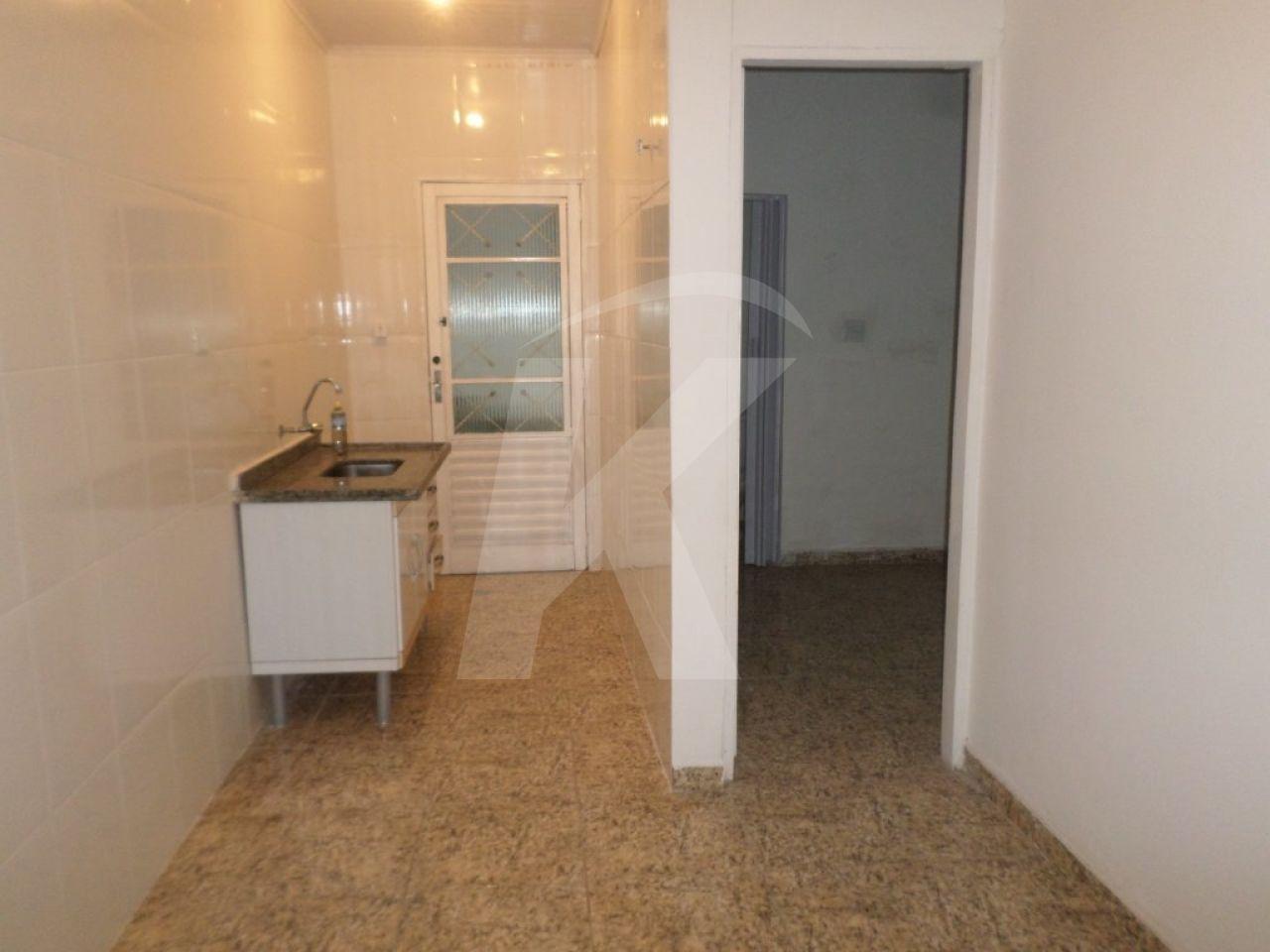 Alugar - Casa  - Vila Nivi - 3 dormitórios.