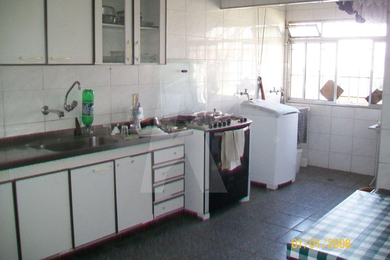 Comprar - Casa  - Vila Gustavo - 5 dormitórios.