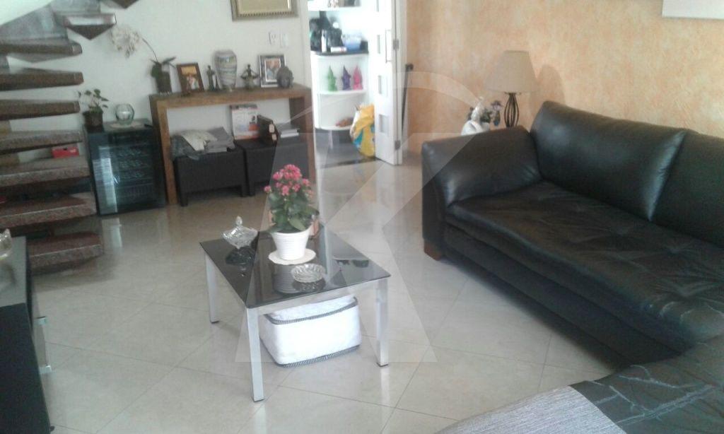 Comprar - Sobrado - Jardim São João (Zona Norte) - 3 dormitórios.