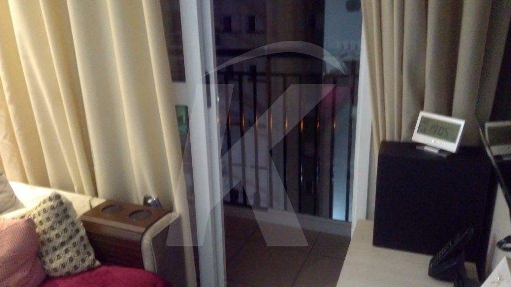 Comprar - Apartamento - Jardim Ema - 3 dormitórios.