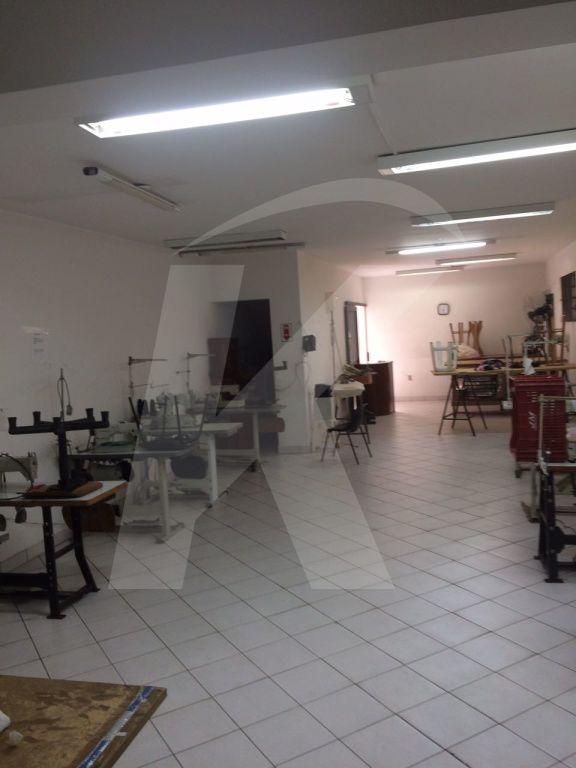 Comprar - Prédio - Vila Guilherme - 0 dormitórios.