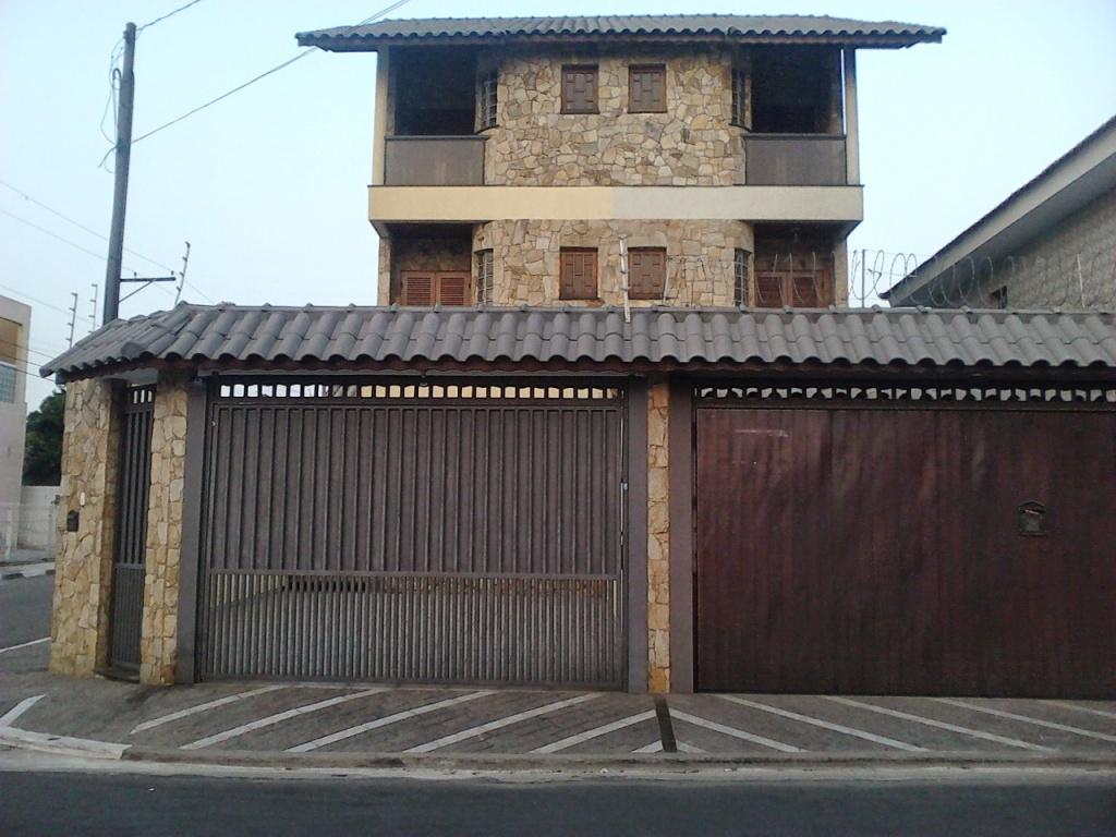 Comprar - Sobrado - Vila Galvão - 3 dormitórios.