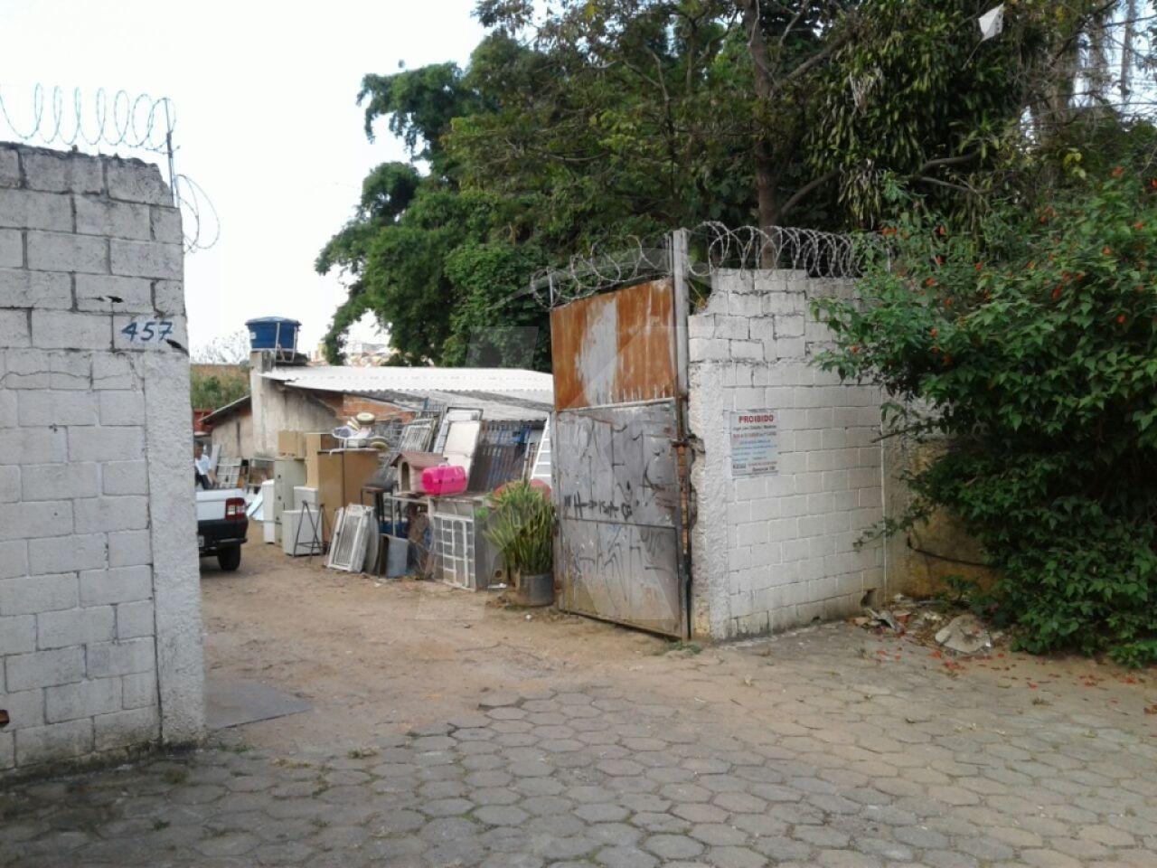 Comprar - Terreno - Vila Medeiros - 0 dormitórios.