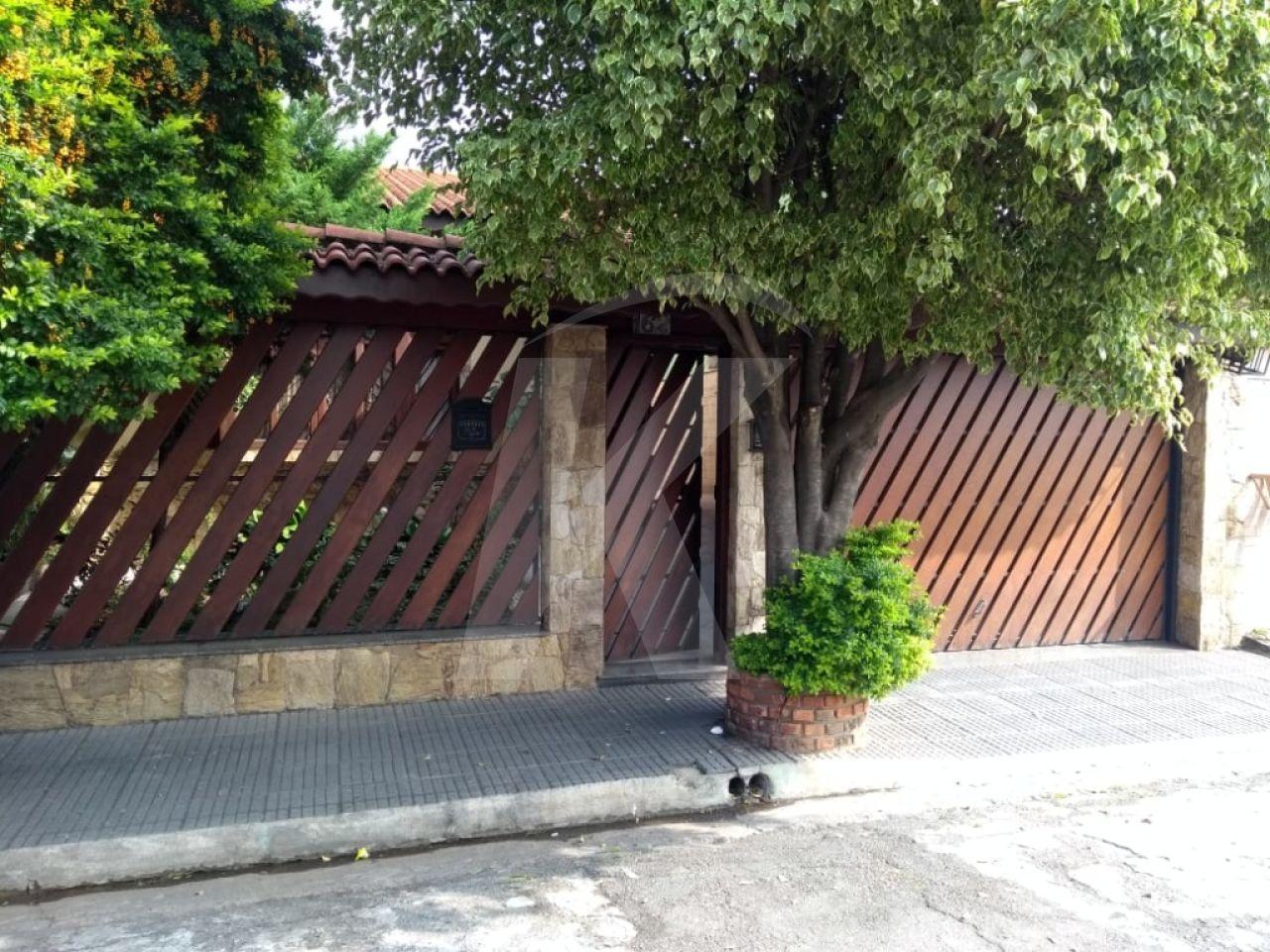 Comprar - Casa  - Parque Edu Chaves - 5 dormitórios.