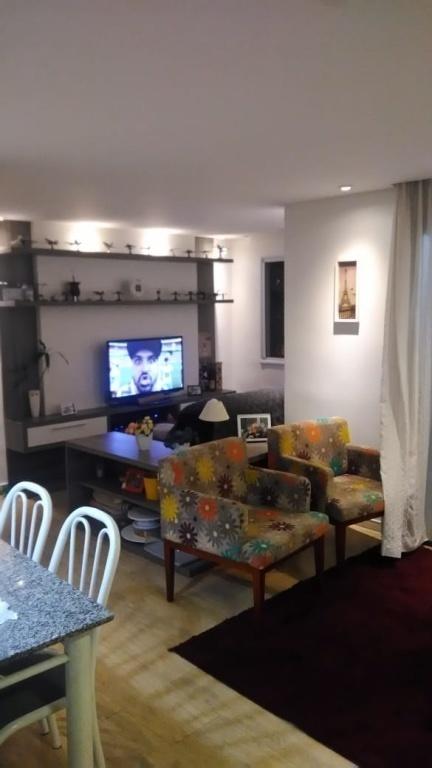 Comprar - Apartamento - Vila Galvão - 3 dormitórios.