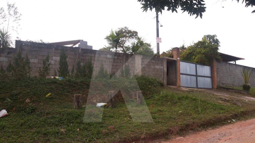 Comprar - Casa  - Jardim dos Pereiras (Caucaia do Alto) - 2 dormitórios.