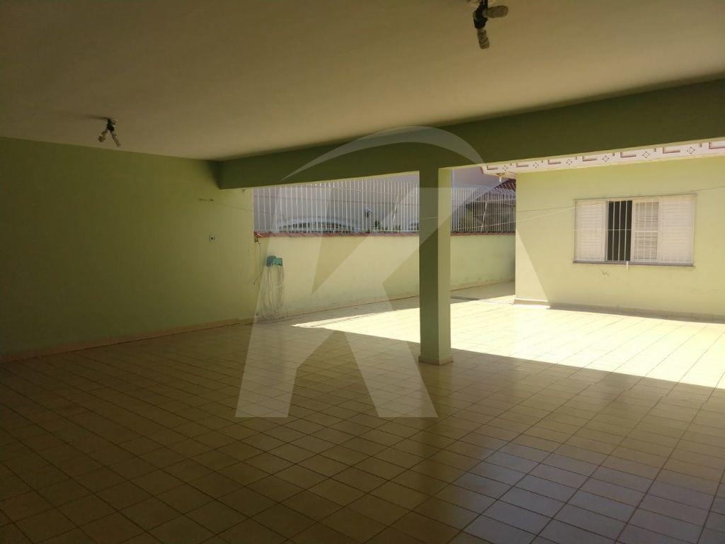 Comprar - Casa  - Tremembé - 5 dormitórios.