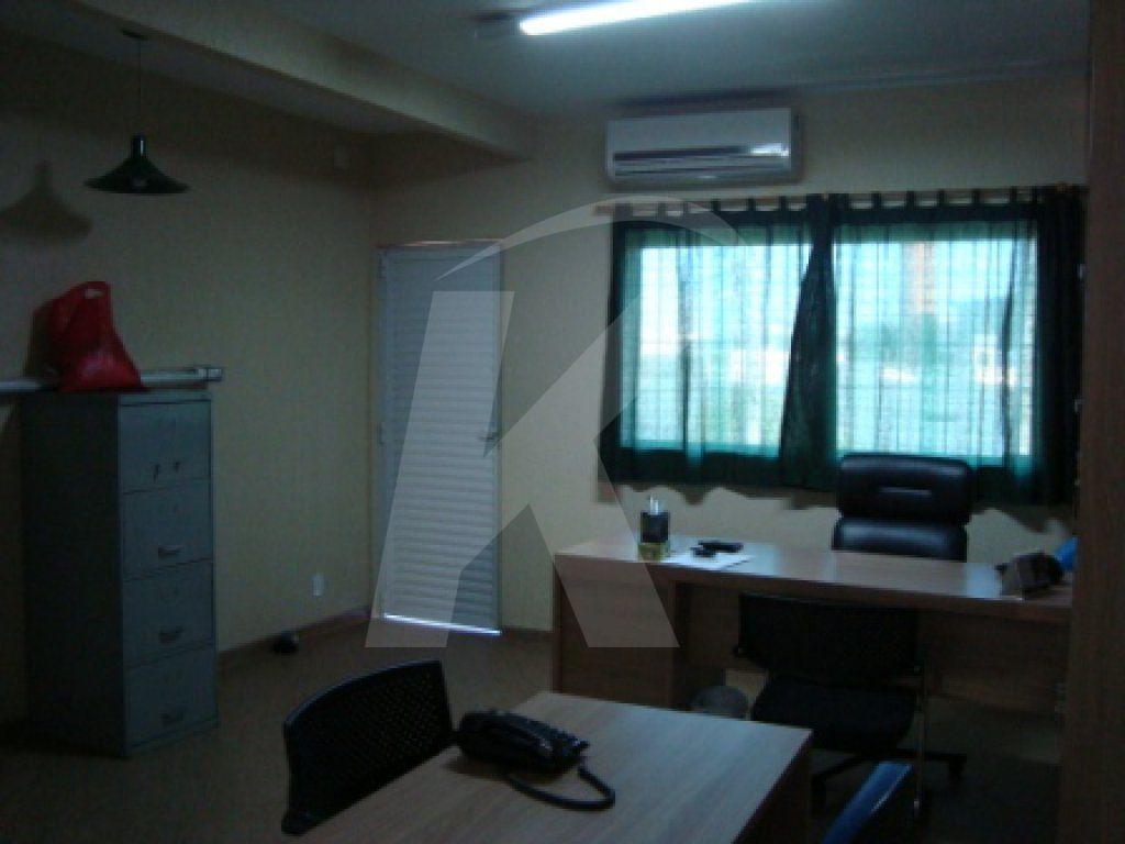 Alugar - Sala Comercial - Vila Constança - 0 dormitórios.