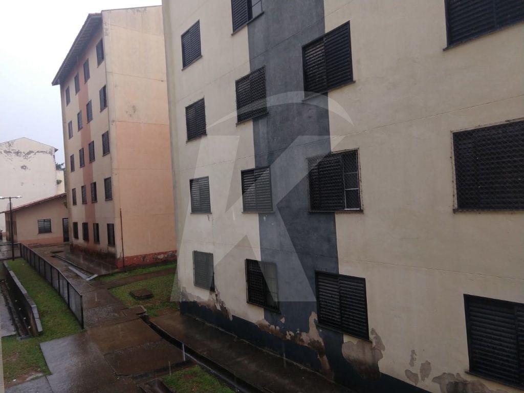 Comprar - Apartamento - Conjunto Residencial José Bonifácio - 2 dormitórios.