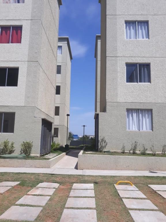 Comprar - Apartamento - Vila Nova Bonsucesso - 2 dormitórios.