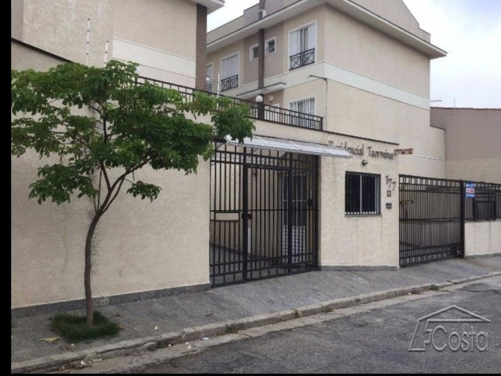 Comprar - Condomínio - Imirim - 2 dormitórios.