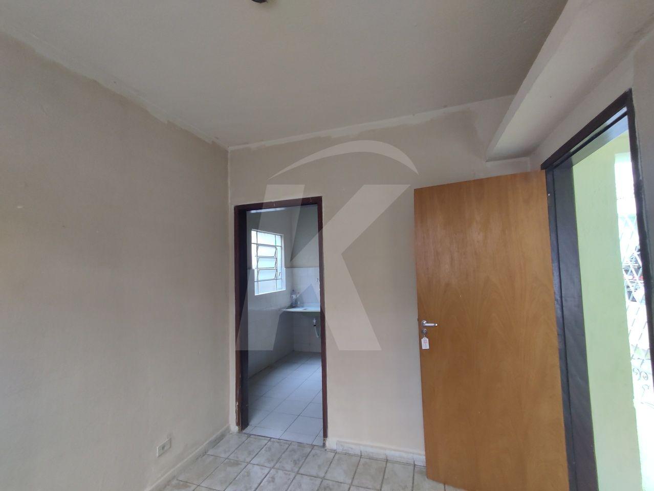 Alugar - Casa  - Vila Gustavo - 2 dormitórios.