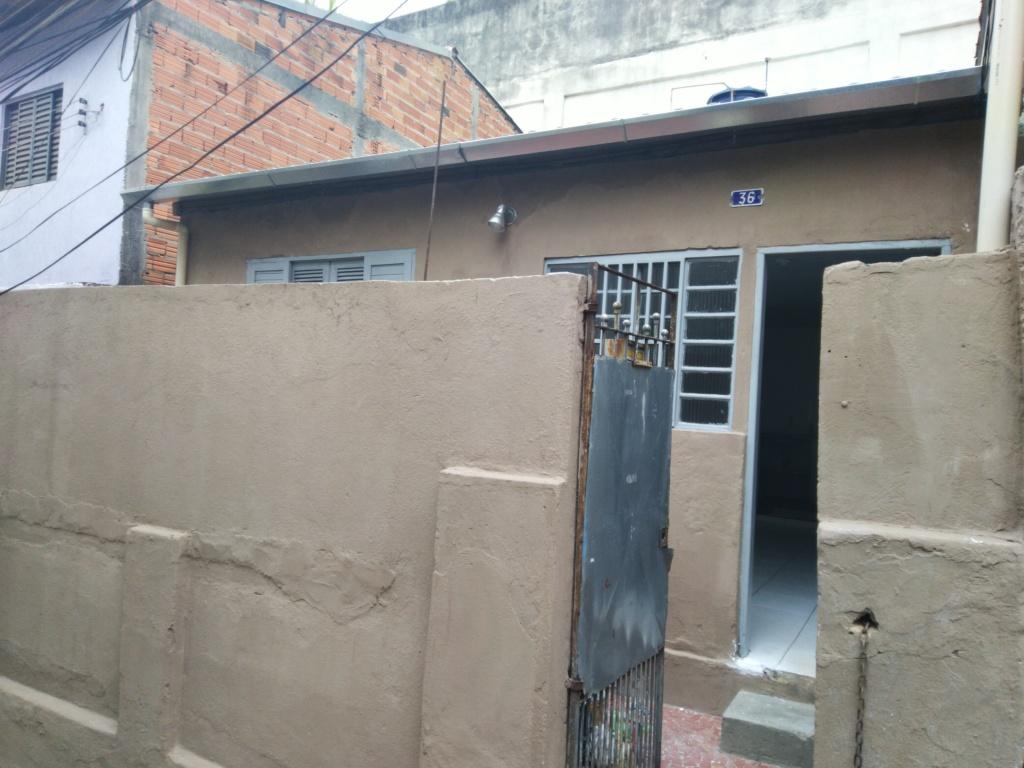 Alugar - Casa  - Vila Mazzei - 2 dormitórios.