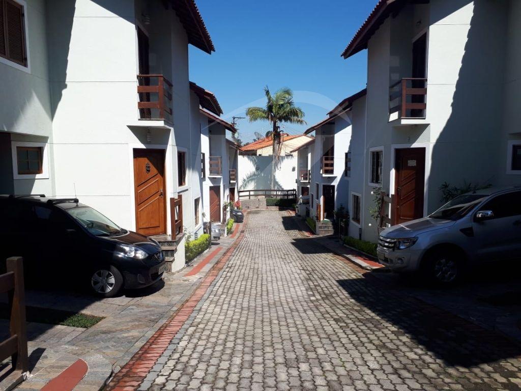 Comprar - Condomínio - Vila Santos - 2 dormitórios.