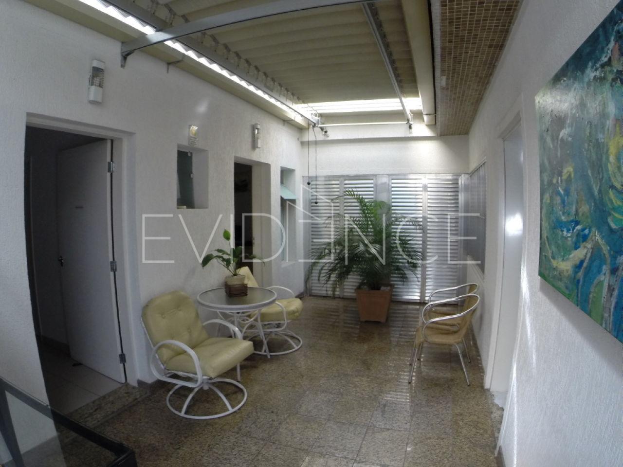 Casa Térrea para Venda - Vila Azevedo