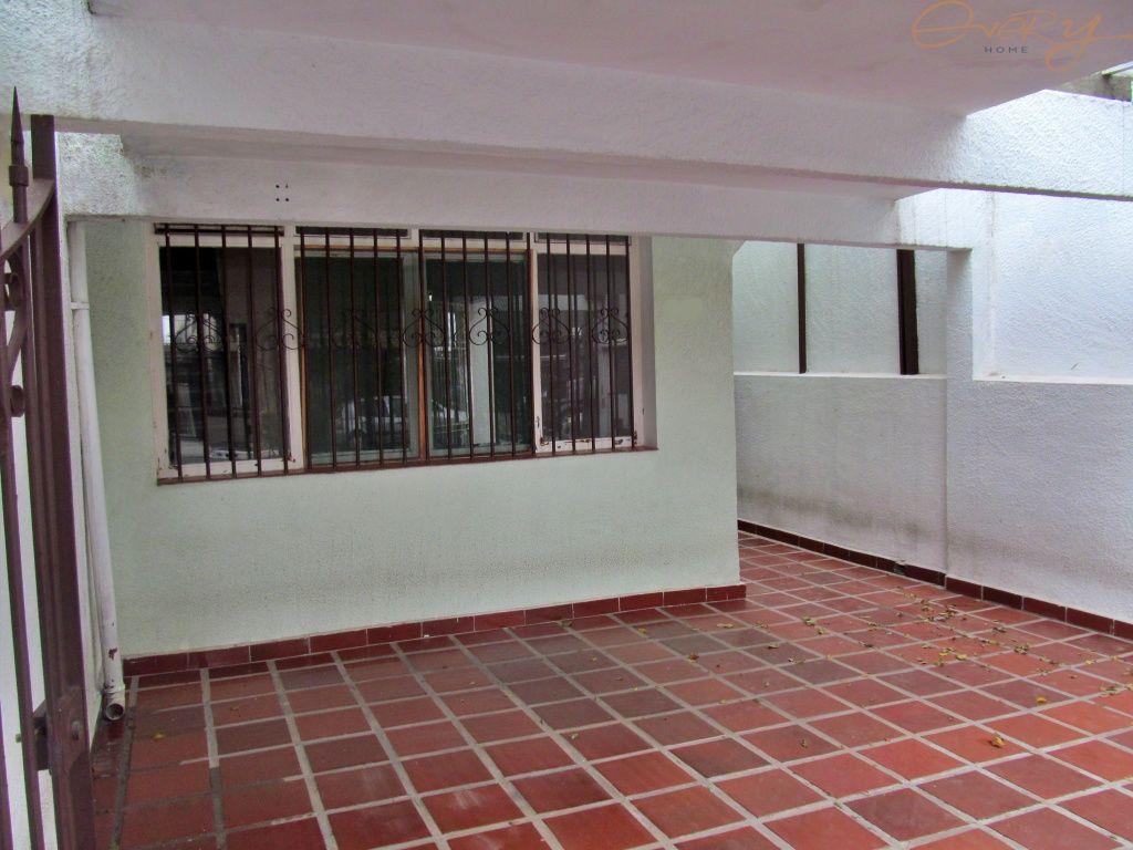 Casa Padrão para Locação - Planalto Paulista