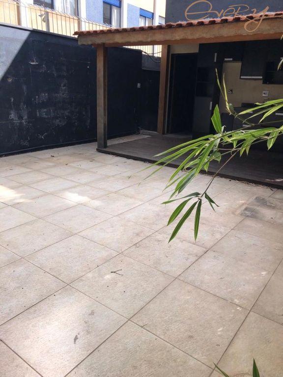 Casa Padrão para Locação - Moema