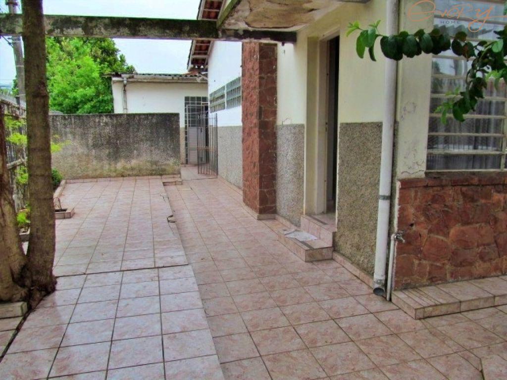 Casa Padrão para Locação - Vila Almeida