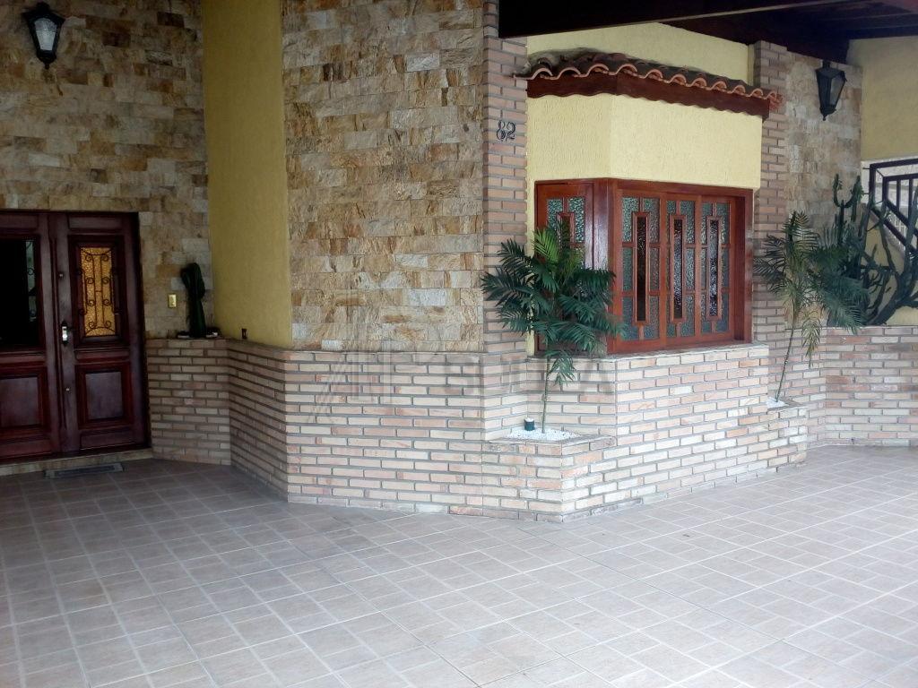 Casa Assobradada para Venda - Jacana
