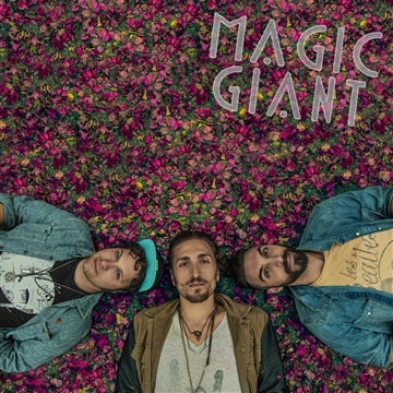 MAGIC GIANT : Greetings from Magic Giant