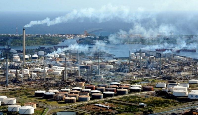 Resultado de imagen para refineria isla