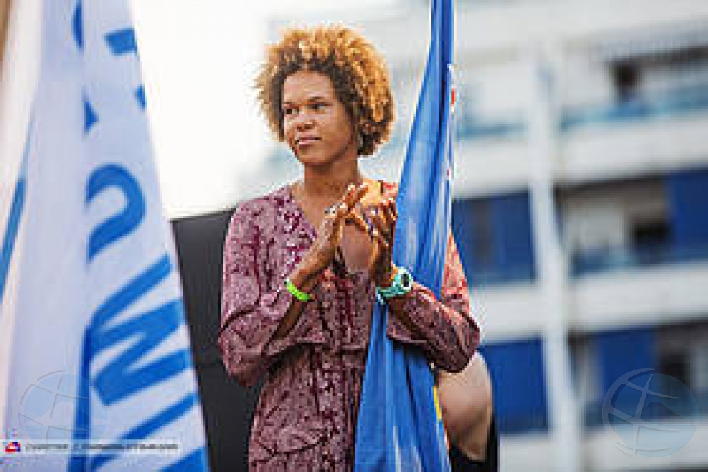 Competencia windsurf na Islas Canarias favorabel pa Sarah-Quita