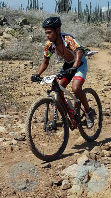 Evaluando pa transporta ciclista herida awe, pa Colombia