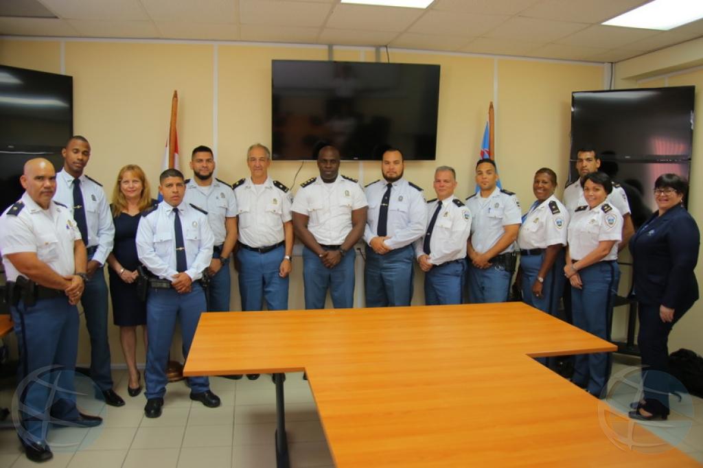Total di 18 polis a ricibi decreto gubernamental