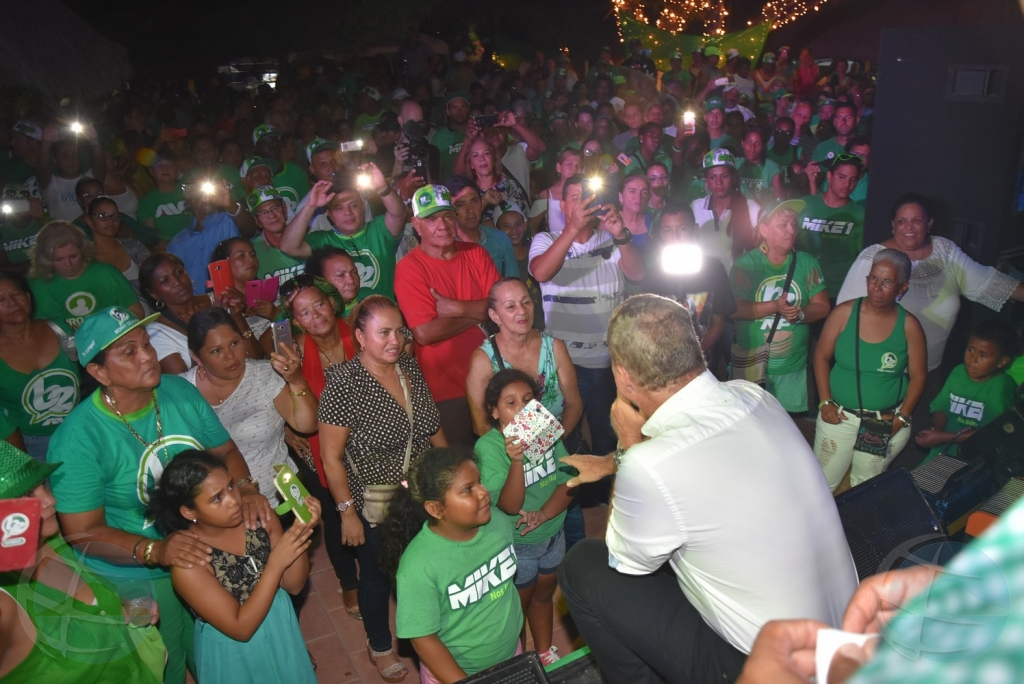 Miembro Tweede Kamer ta cuestiona promesa di Eman na comunidad Latino