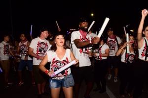 Bista fotografico di e parada di flambeu di diasabra anochi