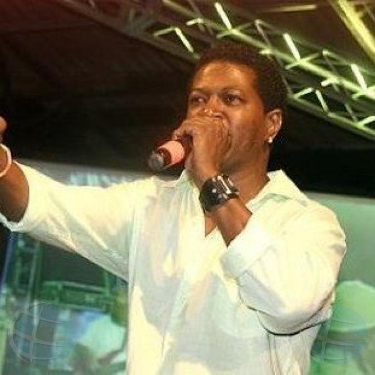 Evertsz: Suficiente banda por compaña 'Luwi' Jano cu su tumba ganador