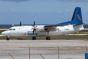 Avionan Fokker 50 di InselAir bek den servicio despues di incidente