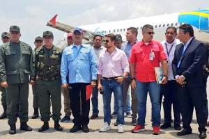Prome buelo comercial a sali di Venezuela pa Aruba