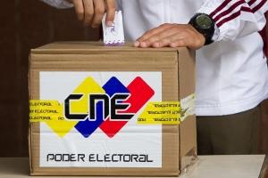 Contrario na rumornan, Venezolanonan na Aruba tambe por vota diadomingo