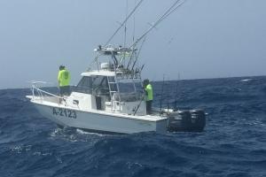 Polis maritimo a asisti boto den problema na cabes di Aruba