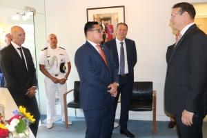Gobernador Boekhoudt di bishita na Cas di Aruba