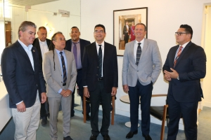 Minister Rudy Lampe a bishita Gabinete di Aruba