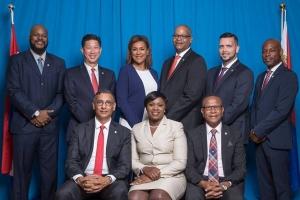 St Maarten a huramenta su di 7 gabinete den menos di 8 aña