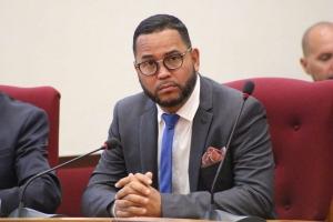 Minister sorprendi cu declaracion di grupo di taxista
