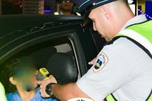 KPA:  Polis lo tene control pisa di trafico e weekend aki !
