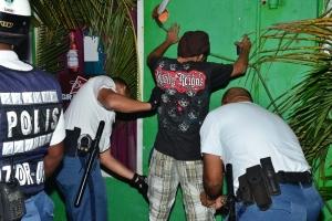 Listracion preventivo a produci varios detencion den weekend