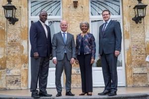 Gobernador di Aruba y Minister Besaril presente na 'Prinsjesdag'