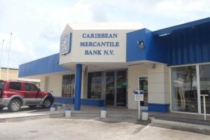 Seguridad di CMB a sigura ATM na Boulevard y pone den lockdown