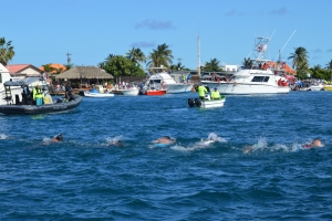 Crossing for Hope a uni Aruba den un forma sinigual!